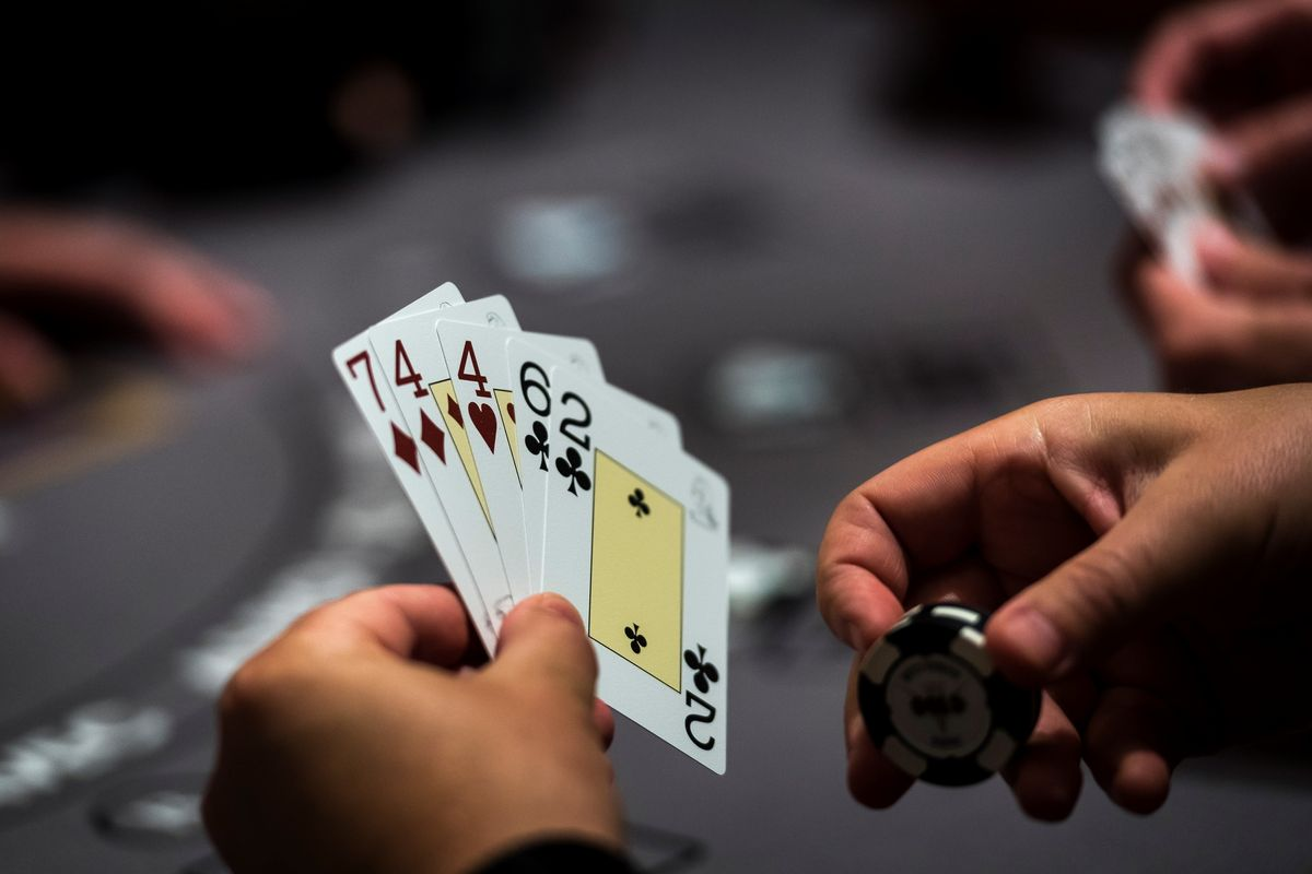 casino game plays in online