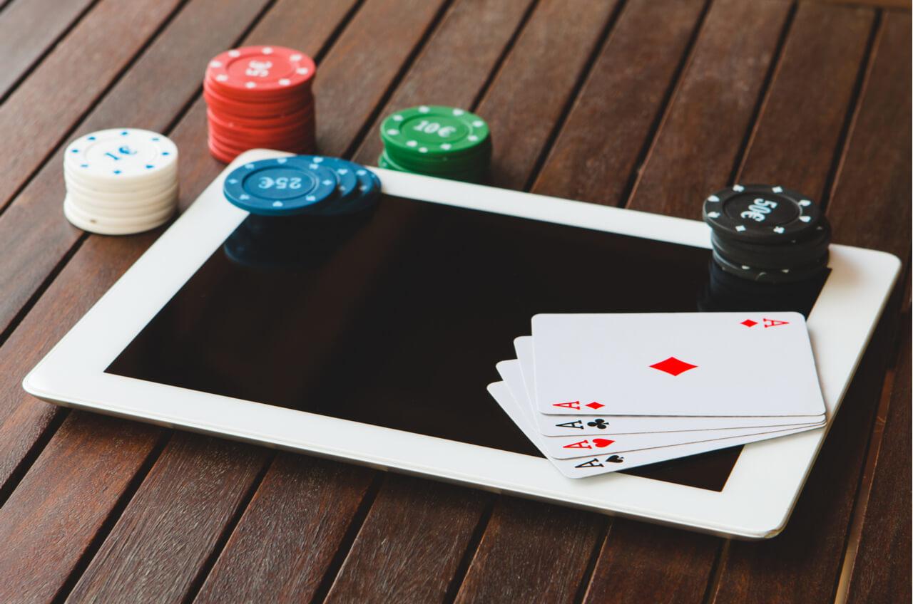 Choose poker online domino